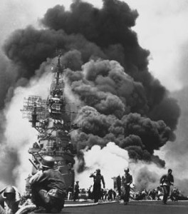 1280px-USS_Bunker_Hill_hit_by_two_KamikazesLARGE
