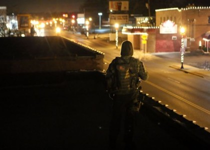 'Oath Keepers' are back on the rooftops in Ferguson despite St. Louis County ordinance