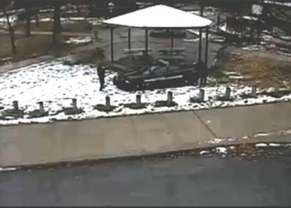 [VIDEO] Cleveland police release extended video of Tamir Rice shooting scene