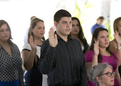 Feds: New citizens can skip pledge to take up arms and defend the US