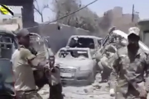 Videos Appear to Show Iraqi Troops Killing Mosul Detainees